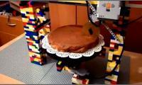 Unique robot that cuts cake