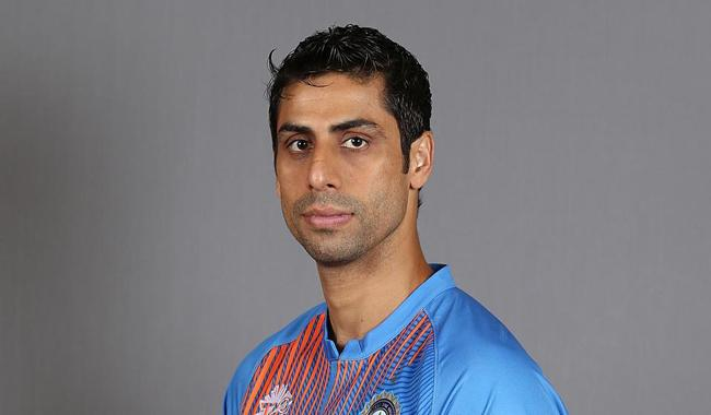 India paceman Ashish Nehra to retire from internationals