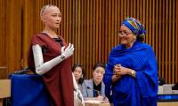 Robot Sophia makes it to UN conference