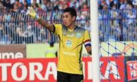 Indonesian goalkeeper dies after mid-game collision with team-mate