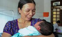 Big bundle of joy: Vietnam woman gives birth to 7 kg baby