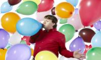 American man overcomes fear of balloon, sets world record