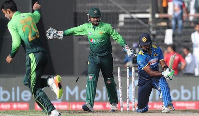 Pakistan bundle Sri Lanka out for 173
