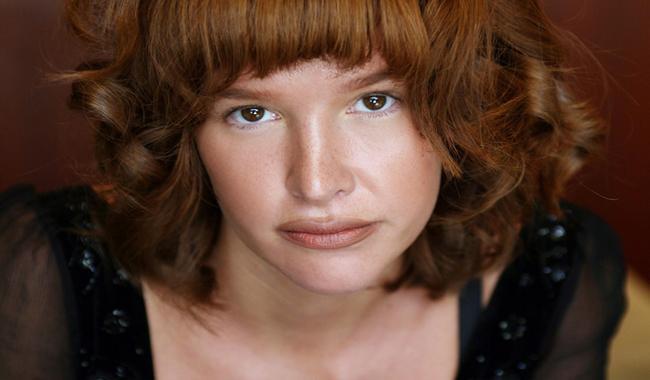 Actress Paz de la Huerta accuses Weinstein of rape