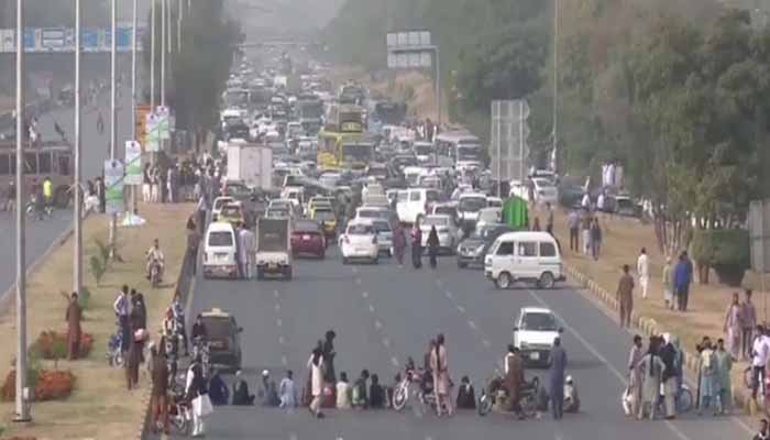 Negotiations between govt, Islamabad sit-in leaders underway
