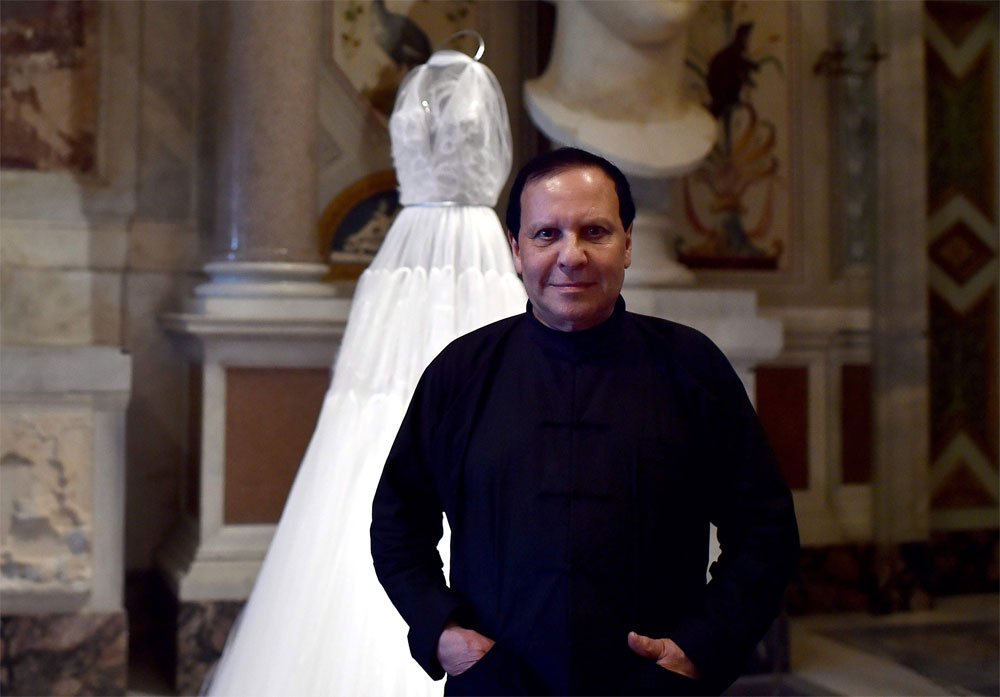 39 King Of Cling 39 Fashion Designer Azzedine Alaia Dies At 77
