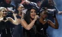 Female singers dominate American Music Awards stage