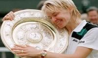 Wimbledon champion Jana Novotna dies after battle with cancer