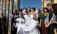 Love without limits: 3-minute wedding at US-Mexico border