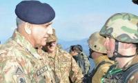 Gen Bajwa visits Pak-Afghan border