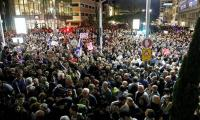 Tens of thousands march in Israel against ´government corruption´