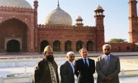 London Mayor Sadiq Khan visits Badshahi mosque, Allama Iqbal's mausoleum