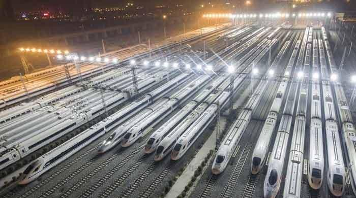 New high-speed train connects Chinese cities