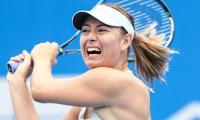 Sharapova eases into Shenzhen semi-finals