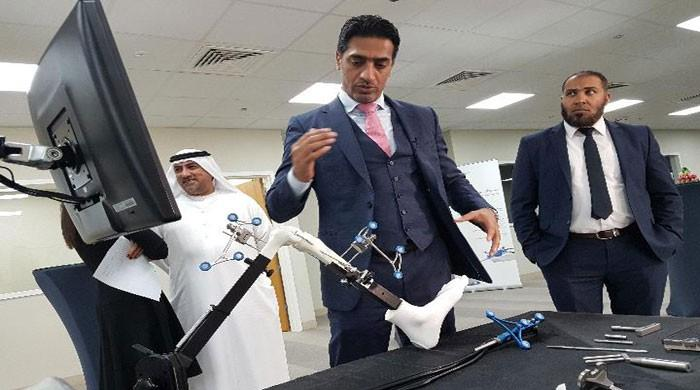 Success of first robot-assisted knee surgery