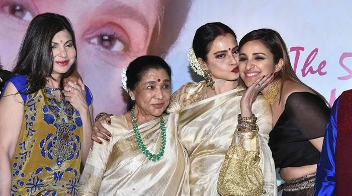 Renowned singer Asha Bhosle honoured with Yash Chopra Memorial Award