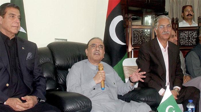 Nawaz's only job is to do business, receive kickbacks, alleges Zardari