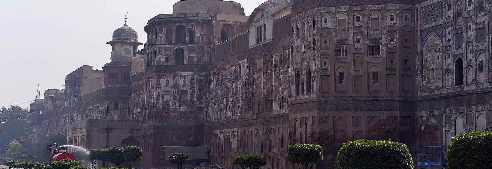 Pakistan aims to revive glory of ancient Mughal city Lahore