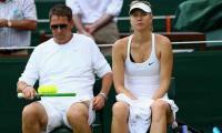 Struggling Maria Sharapova splits with coach