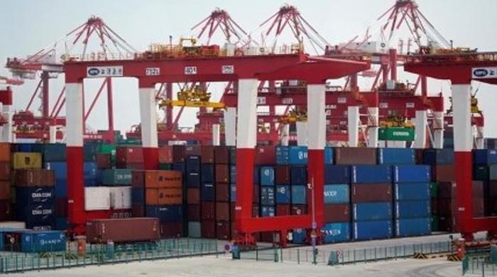 美国迫使中国减少贸易顺差100亿美元:白宫