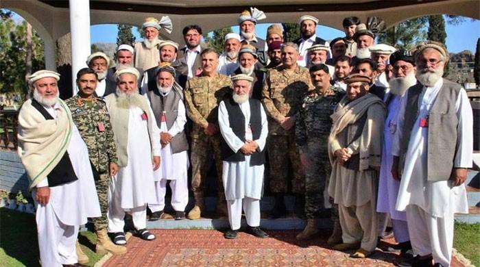 Army Chief interacts with troops, tribal elders in Khyber Agency