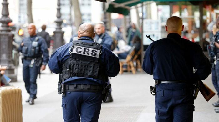 Two dead as suspected Daesh gunman takes hostages in France