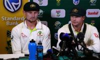 Australia calls on Smith to give up captaincy