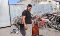 Turkish junk dealer returns gold coins found in stove