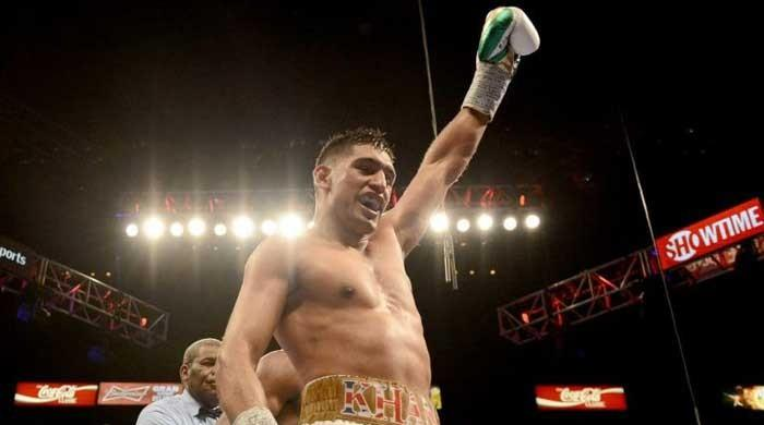 Amir Khan knocks out Lo Greco in 39 seconds on British return
