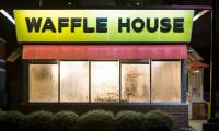 US police hunt seminude suspect as Waffle House shooting kills four