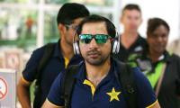 Pakistan cricket team sans Amir leaves for England