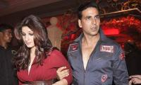 Film costume lands Akshay Kumar, Twinkle Khanna in trouble