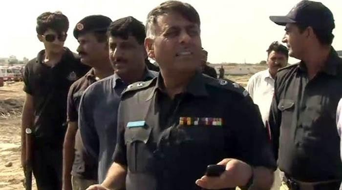 Rao Anwar complains of  AC's performance in hot court room