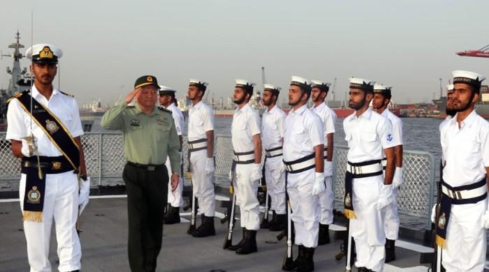 Chinese military official visits Field Commands of Pakistan Navy