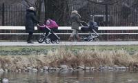Poland right-wing govt´s allowance boosts birthrate