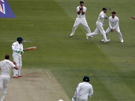 Pakistan 50-1 against England at 1st day close