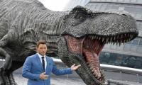Roaring dinosaurs return in 'Jurassic World' sequel