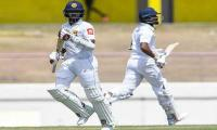 Mendis, Chandimal lift Sri Lanka to 194-5 with 147-run lead