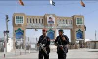 Pakistan hands over two Afghan soldiers back to Afghanistan