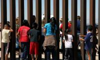 Trump signs executive order as children ´cry and scream´ for mothers at border