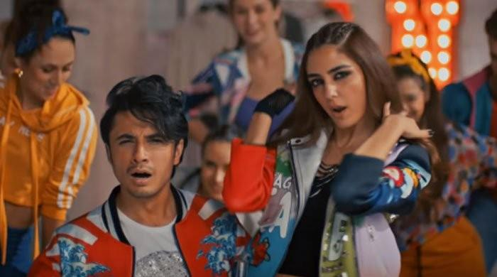 First track of Teefa in Trouble becomes an instant hit