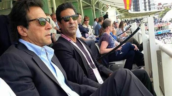 Wasim Akram backs Imran Khan to win elections