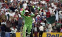 Miandad to auction World Cup 1992 ball for dams fund