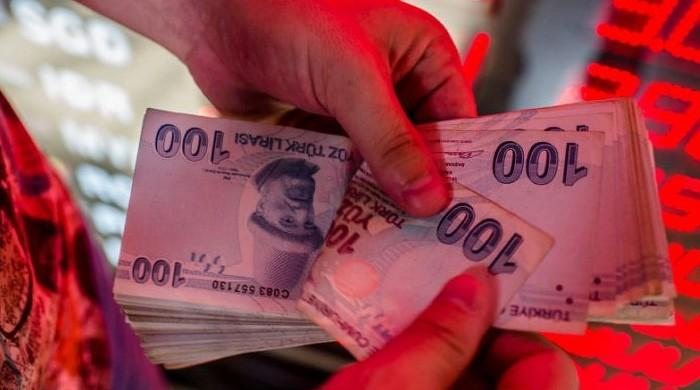 Turkey lira crashes as Trump piles on pressure