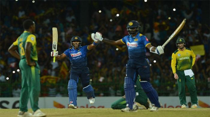 Sri Lanka edge out S. Africa by 3 wickets in only T20