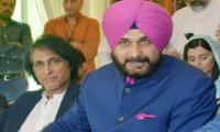 Afridi, Hafeez come out in support of Sidhu
