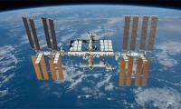 Space station reports ´leak´, crew not in danger