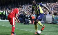 Bolt takes break from Australia football training