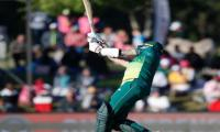 Steyn hits career-best 60 to rescue South Africa