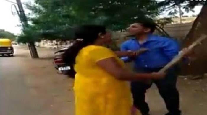 Woman thrashes bank manager in India for seeking sexual favour, video goes viral